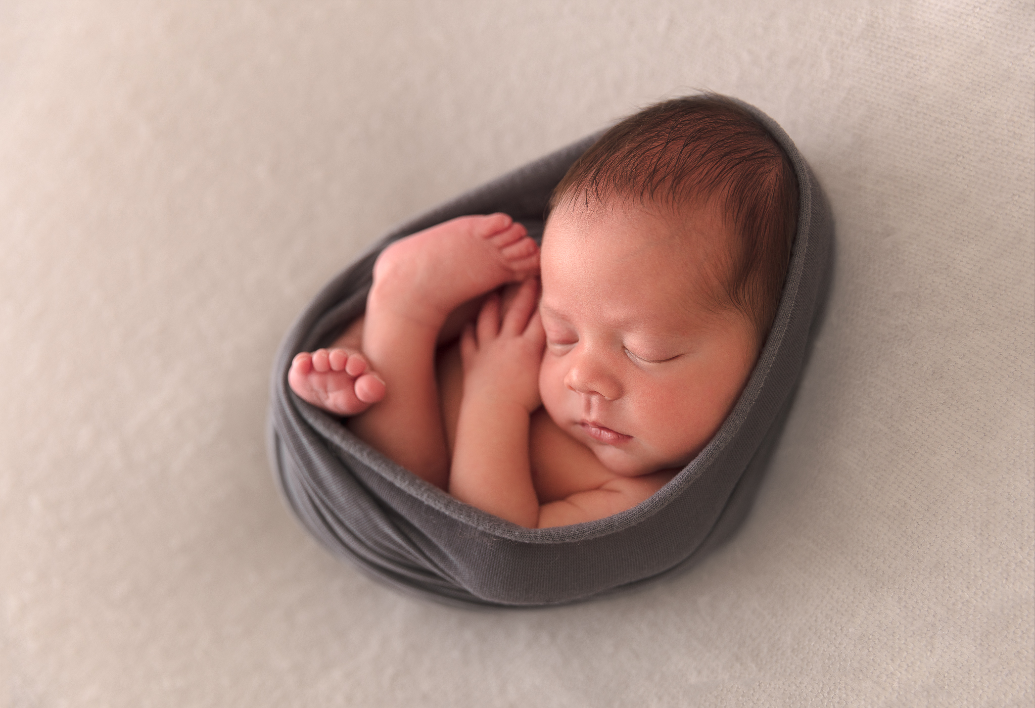 egg-wrap-baby-newborn-jcimagery-adelaide-photography