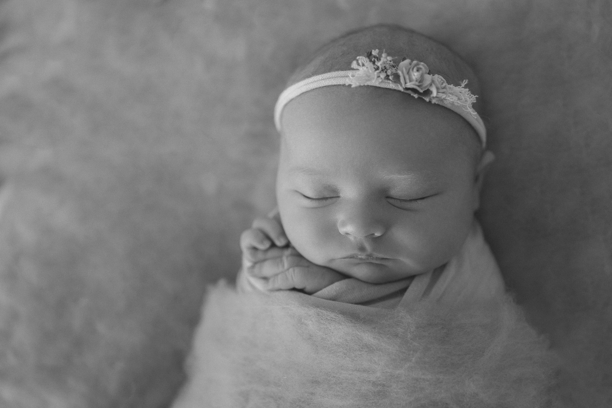 sleepy-baby-girl-adelaide-photographer