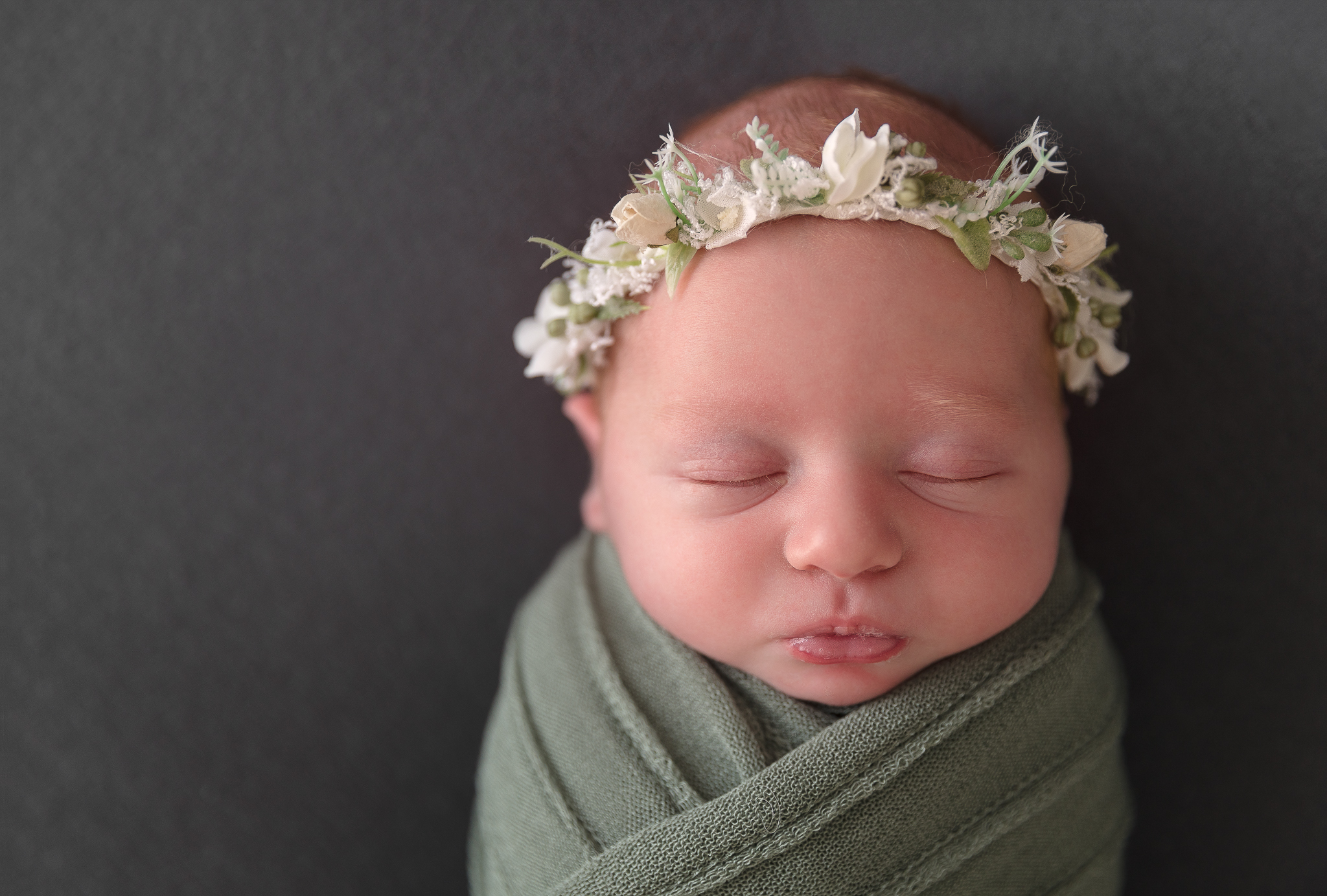baby-newborn-photography-adelaide-halo-floral