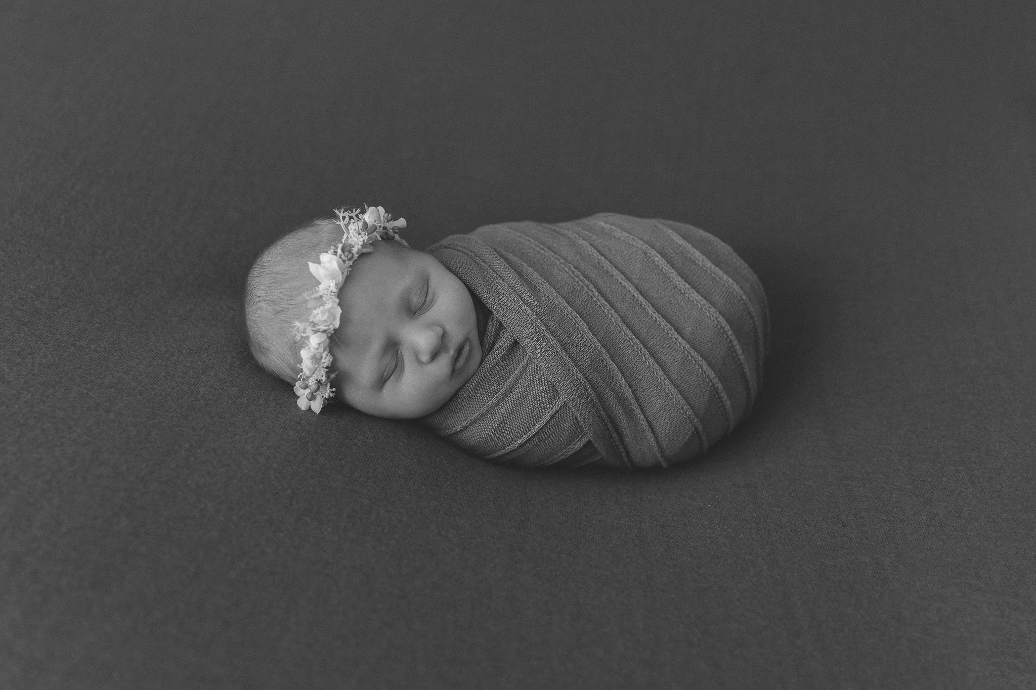baby-newborn-photography-adelaide-halo-floral-blackandwhite