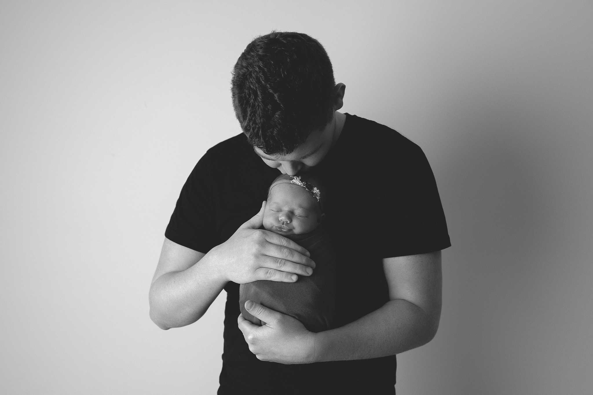 family-love-baby-father-daughter-portrait-newborn-photography-adelaide