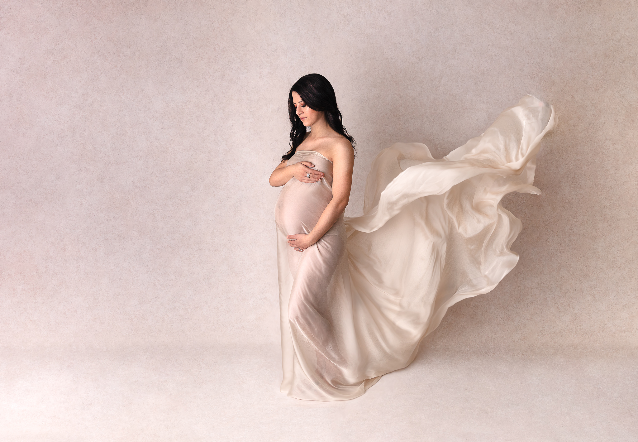 gown-maternity-photography-adelaide-silk-toss